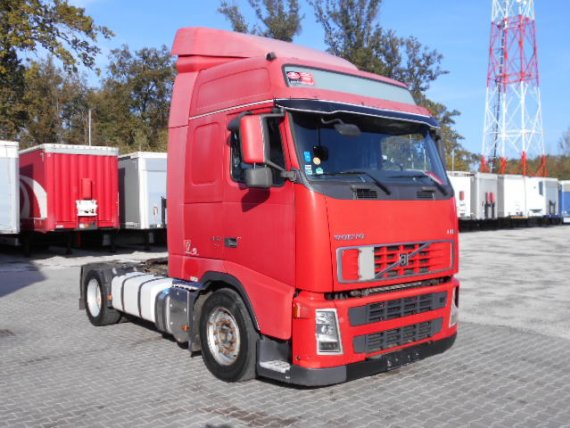 VOLVO FH 13 440 GLOBETROTTER, Low Deck, Manual